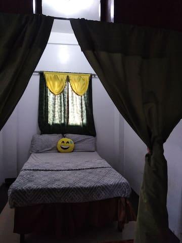 Tagaytay-Silang Transient House