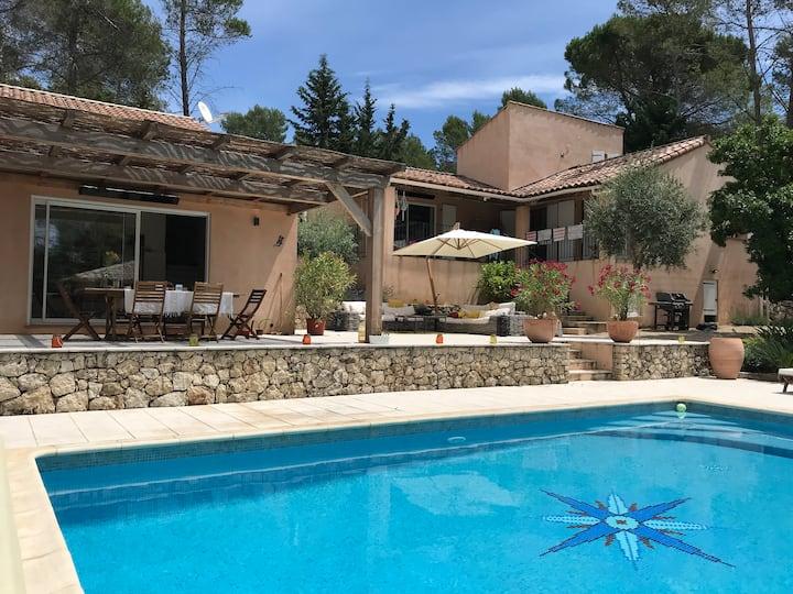 Villa Oleandre: a luxury 5 bedroom villa with pool