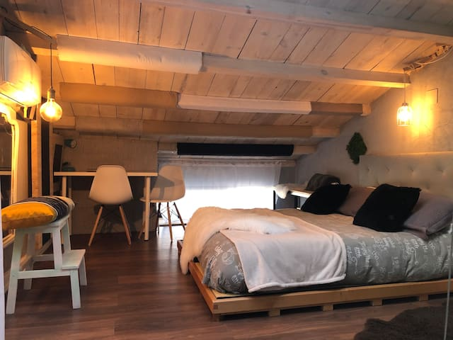 Apartamento rural wifi+netflix VUT-47-181. ATELIER