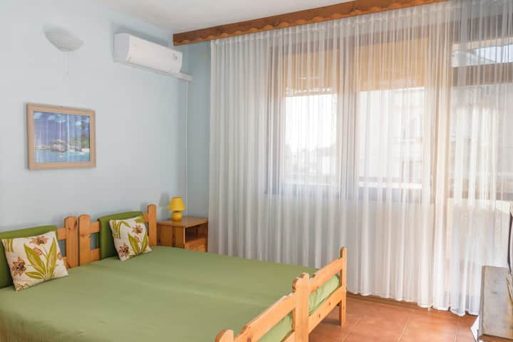 Cozy double room in Chernomorets by Sozopol