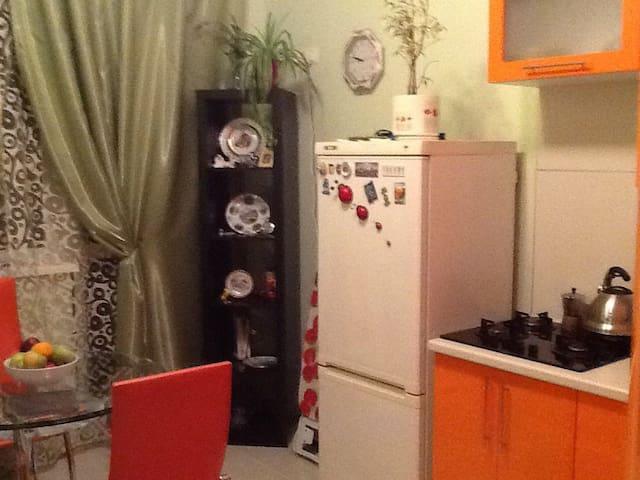 уютная однокомнатная квартира в тихом районе - Gelendzhik - Huoneisto