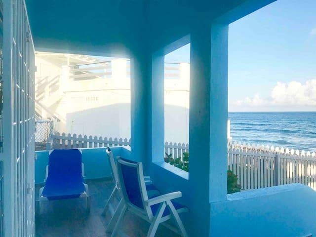 Clifftop Cottage Oceanfront Two Bedroom Apt