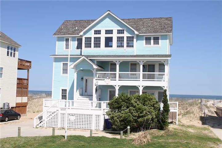 Sun Runner OCEANFRONT in Rodanthe w/Pool&HotTub, RecRoom