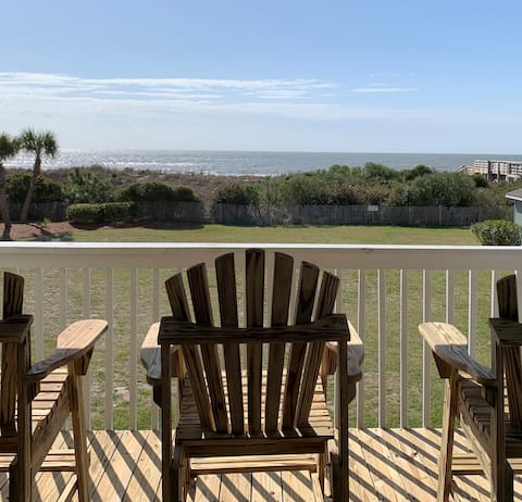 Oceanfront Condo~Pool, Bed & Bath Linens included!
