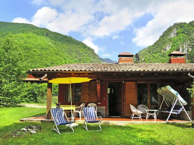 Casa Baby - Lake Idro - 100 mt from the Lake - Idro - Hus