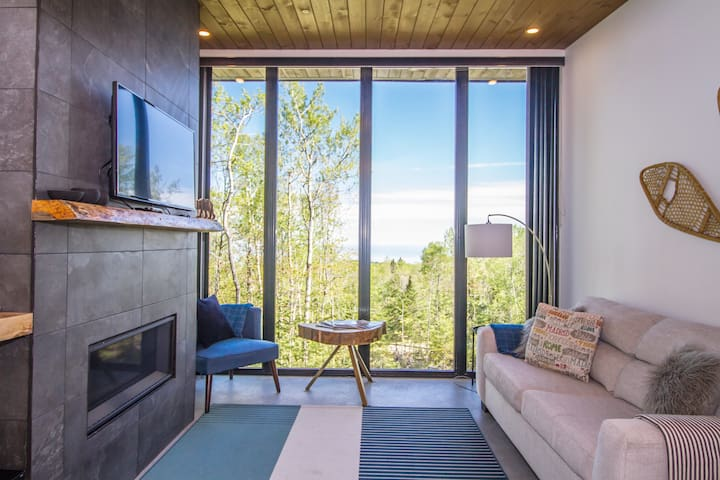Modern breathtaking view chalet and spa - Métis