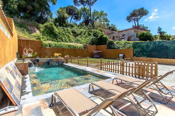 Villa Massanet for 7 guests, just 13km to the beach!