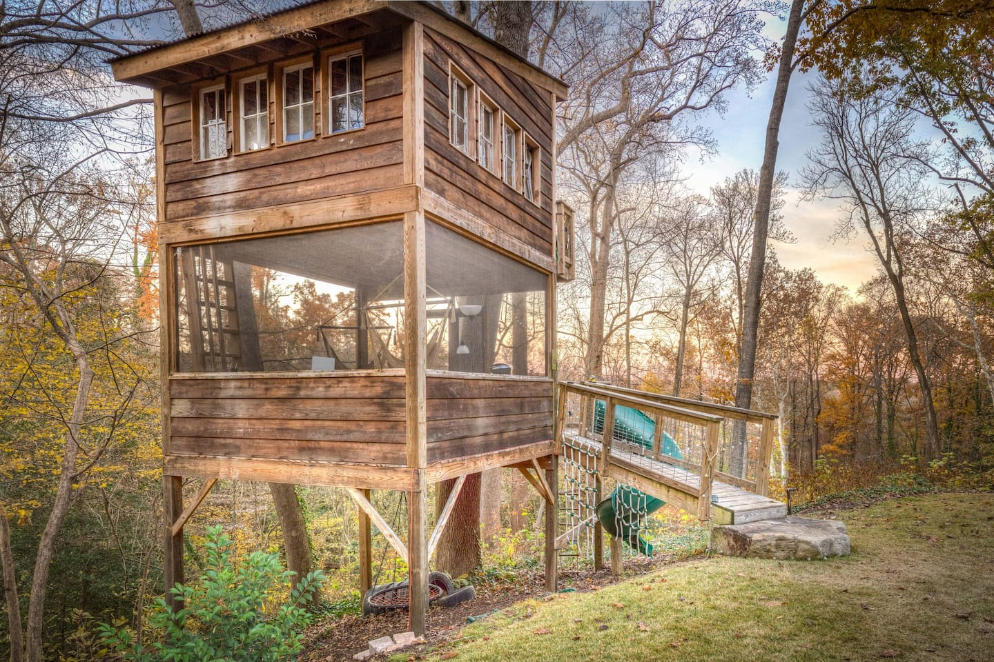 Trailside Treehouse in RVA ~ Glamp w prvt bath! - Treehouses for ...