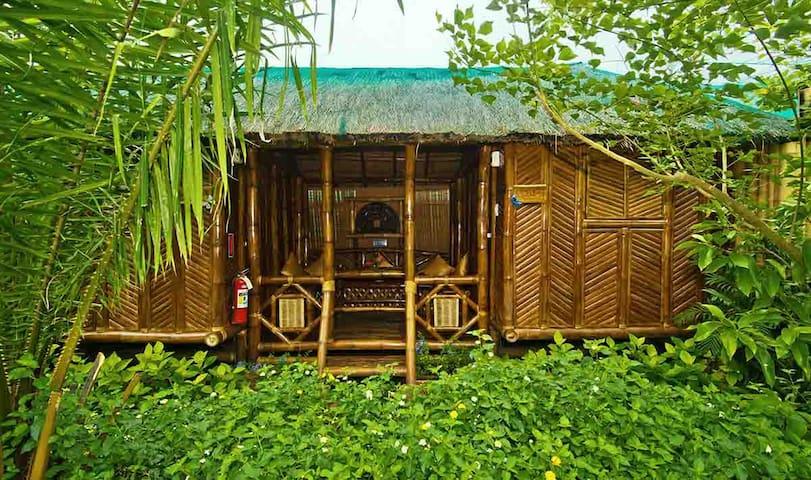 Duplex bamboo hut, Puerto Princesa, Palawan - Puerto Princesa