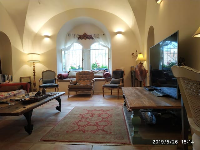 JERUSALEM 2 BR spacious privet house TOP LOCATION