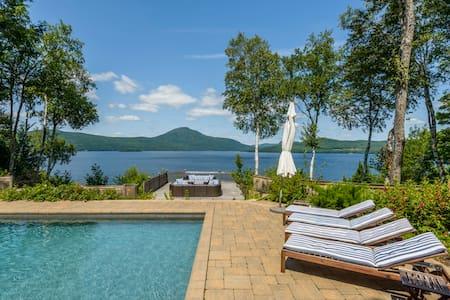 Villa on the lake Memphrémagog - Ogden - Almhütte