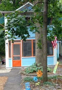 Cozy, historic cottage in the center of Lakeside - Lakeside Marblehead - Casa