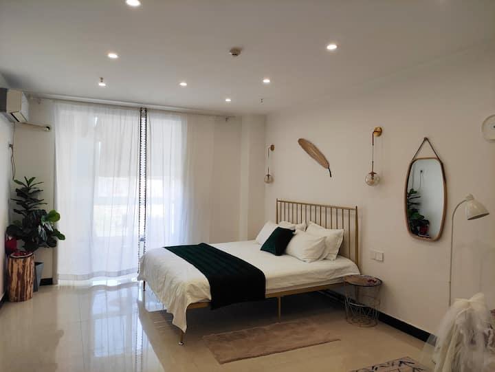 乐宿2.浪漫小屋,舒适惬意,一居小公寓,临近王城公园,隋唐城公园,万达广场。