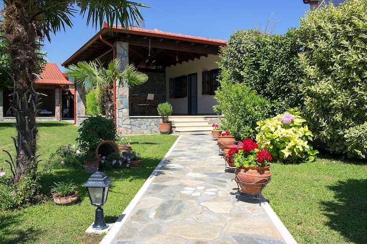 Giorgio Home -Amazing House 3BD- 400m by the sea
