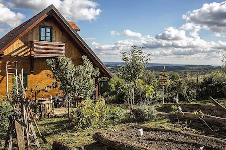 Cute wooden house in nature near Zagreb! - Blaguša