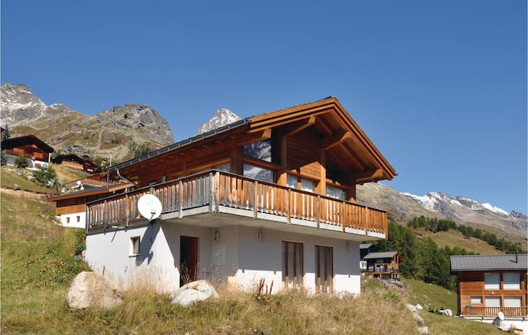 Holiday cottage with 2 bedrooms on 75m² in Wiler