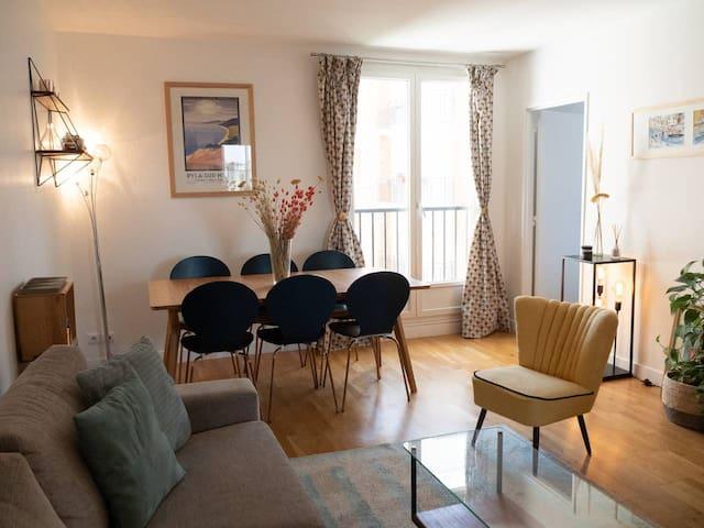 Appartement lumineux 17ème
