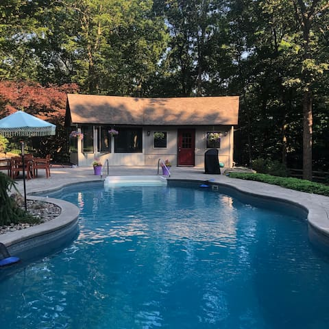 Hudson Valley Hideout – w/Pool & Gorgeous Grounds