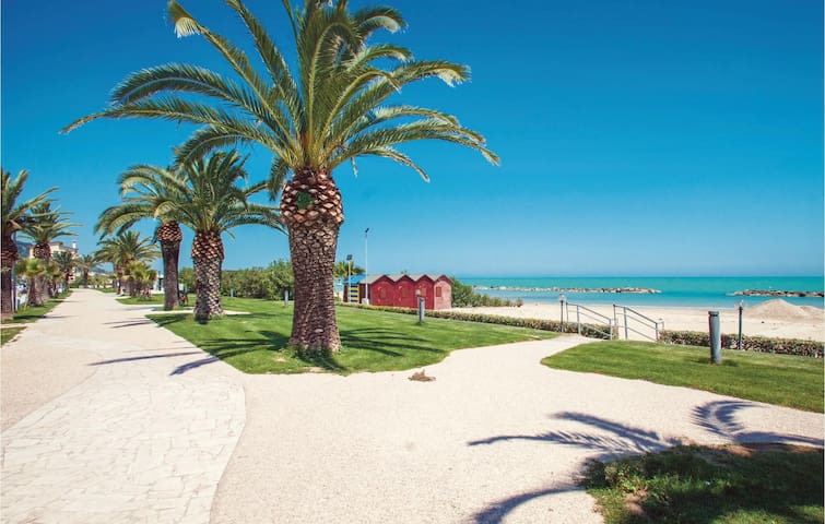 Holiday apartment with 2 bedrooms on 65m² in Grottammare (AP)