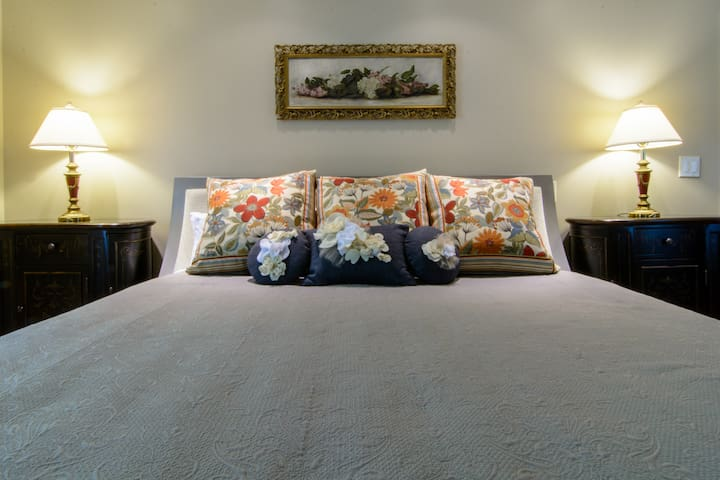 The Grotto Suite