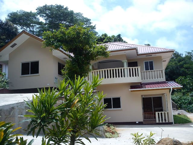 Zeph Self Catering Two Bedroom Apartment