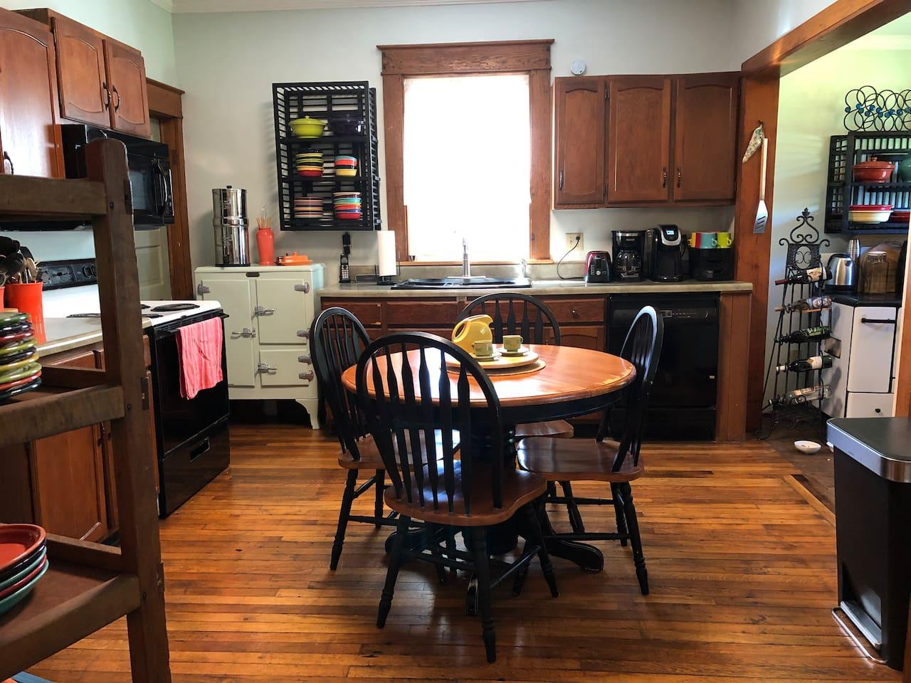 Casa de Christine~ Kitchen