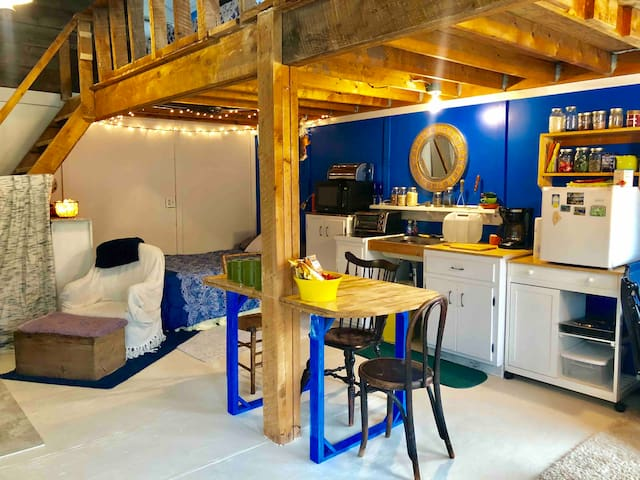 Catskills Cabin Off the Grid Experience