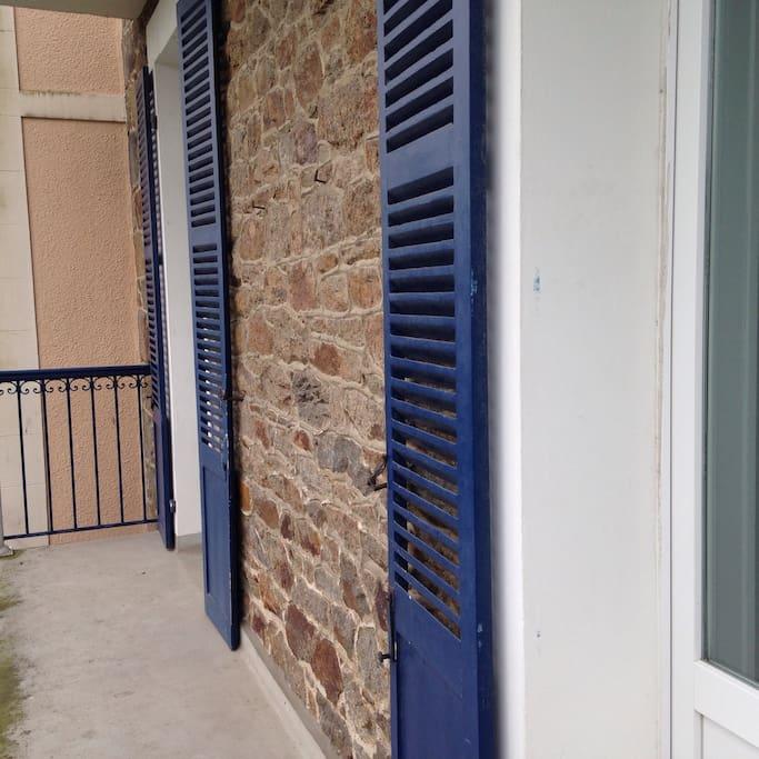 Balcon courant sur la façade Est