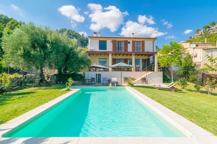 SA COMA - Villa with private pool in Caimari.
