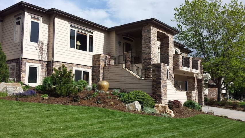 Custom Home with Private Apartment, Golf, Trails - Fort Collins