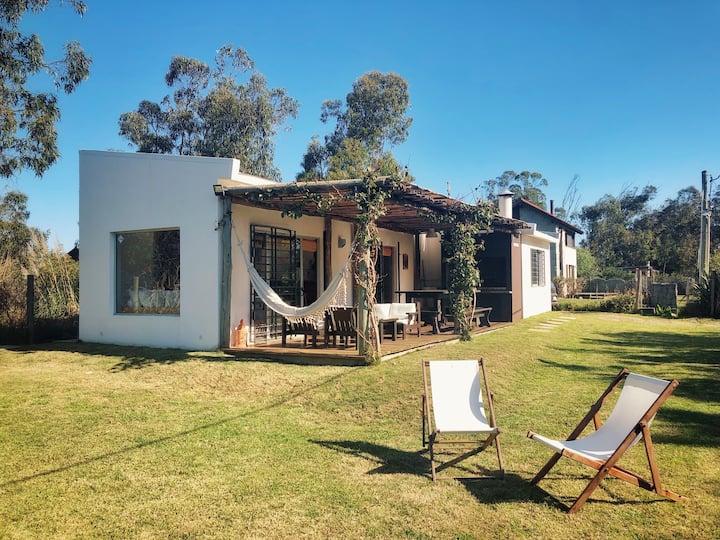 Tacheles Summer House ⛱4 blks to beach⛱ J.Ignacio