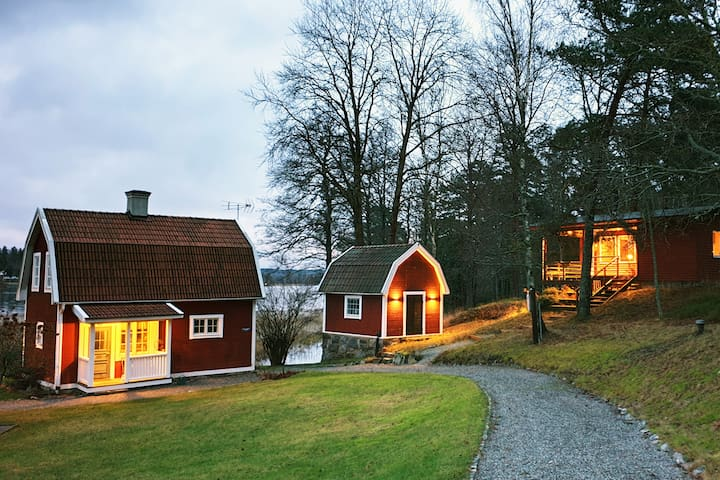 Romantic Swedish house by the lake + Studio