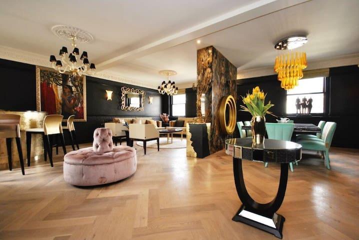 Luxury Two Bedroom Ensuite in Mayfair Berkley Sq