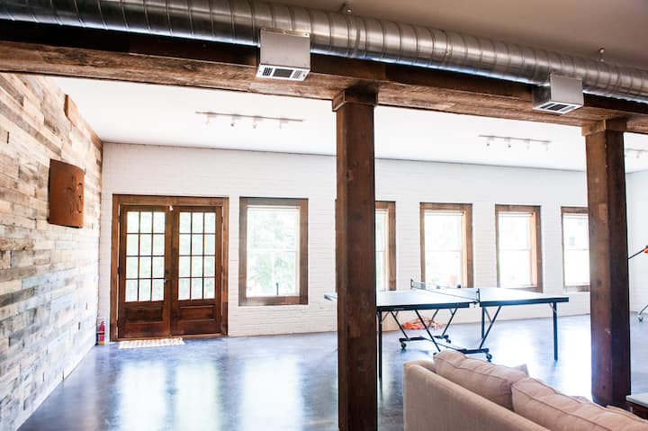 Remarkable open Studio near UGA+Dining & Shopping