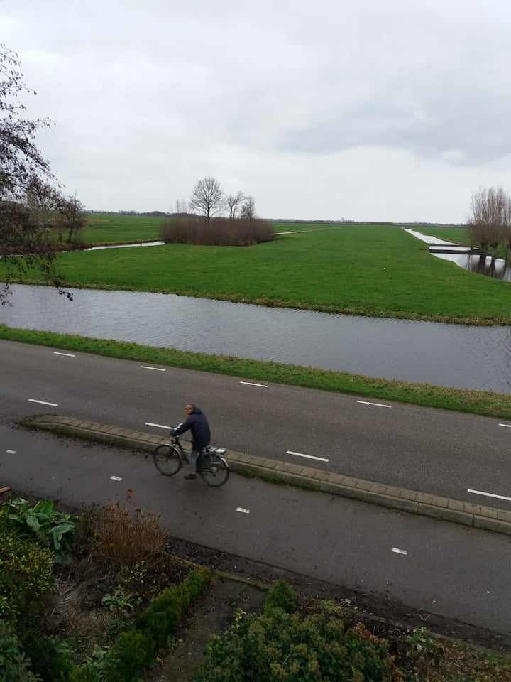 New apartment with lovely Dutch view near big city