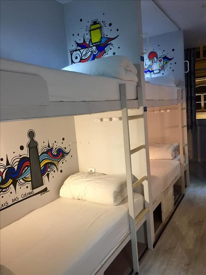 GOLDEN TRAM 242 - 4 BED MALE ROOM / SHARED ROOM