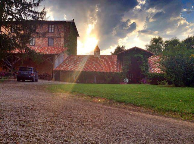 Moulin du 16è au coeur de la Bresse - Saint-Jean-Sur-Veyle - Casa