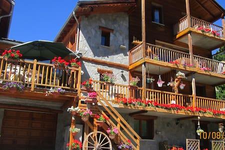studio+ cabine a la montagne dans le PNRQ - 05 - Apartment