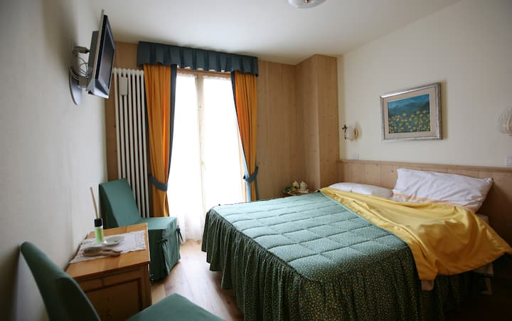 Bed and breakfast in BORMIO-2 hand Spa and skiing