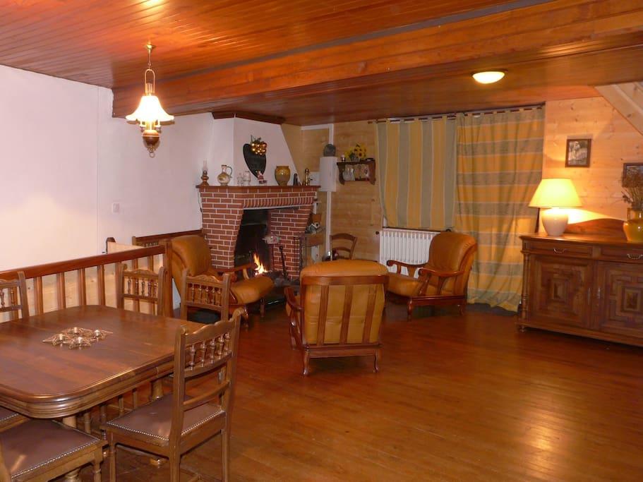 la calalou maison la montagne 6 12 personnes g tes louer ari ge occitanie france. Black Bedroom Furniture Sets. Home Design Ideas