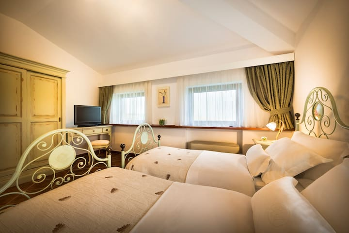 Malvasia room - Oprtalj - Bed & Breakfast