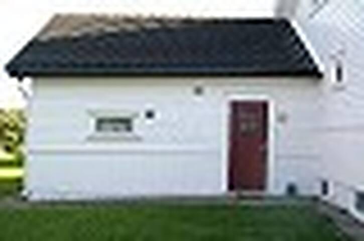 Leilighet sentralt på Eik - Tønsberg - Lägenhet