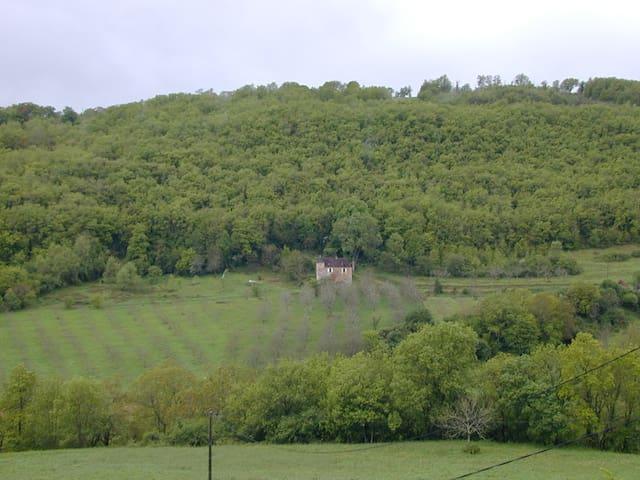 maison ancienne vallée Dordogne, en pleine nature - Saint-Denis-lès-Martel - Huis