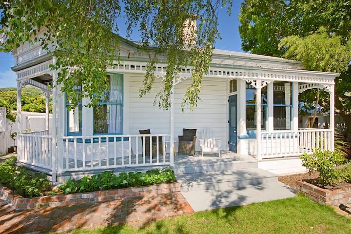 Grove Garden Villa - City Centre Holiday Home