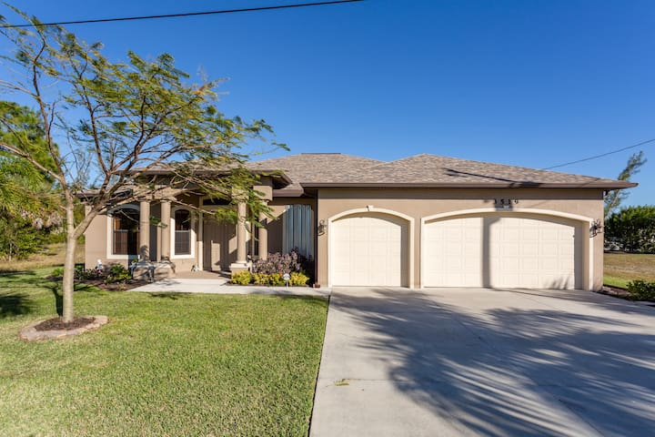Cape Coral Bed and Bath