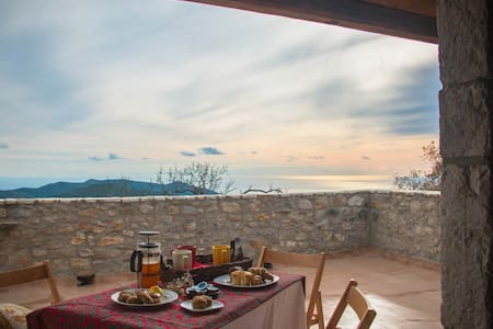 Ilia Mani Villa, Luxury Retreat