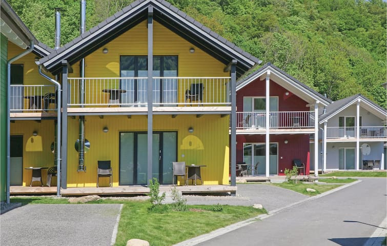 Semi-Detached with 4 bedrooms on 90m² in Thale