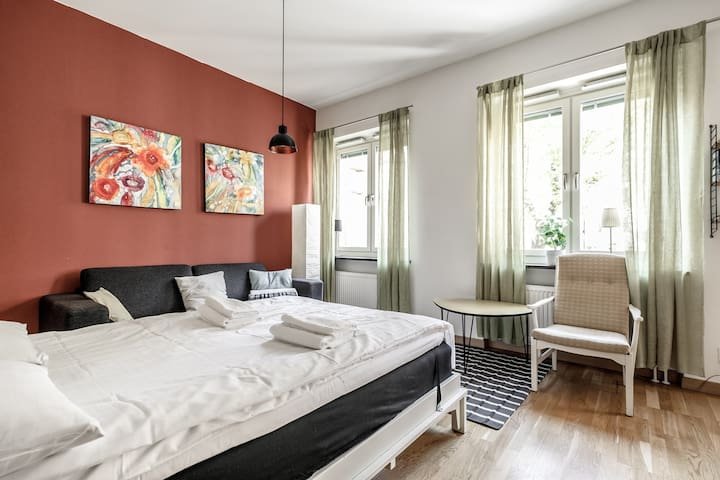 Romantic Studio in Trendy Södermalm
