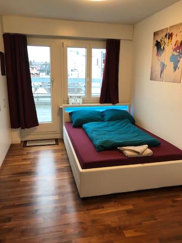 Privatzimmer mit Terrasse im Herzen von Baden