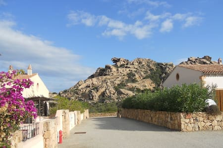 lovely panoramic villa in Sardinia - ปาเลา
